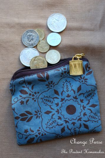 A Gift a Day: Day Eleven Change Purse