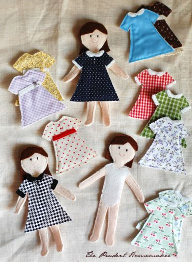 "A Gift a Day: Day Nineteen–Felt ""Paper"" Dolls and a Giveaway"