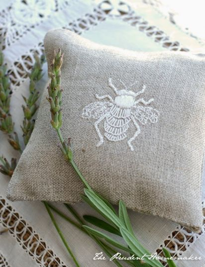 Embroidered Bees and a Giveaway