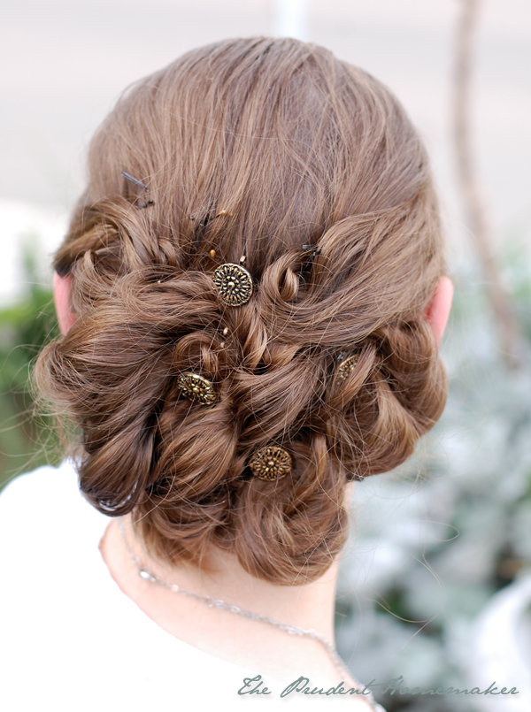 Winter button bobby pins The Prudent Homemaker