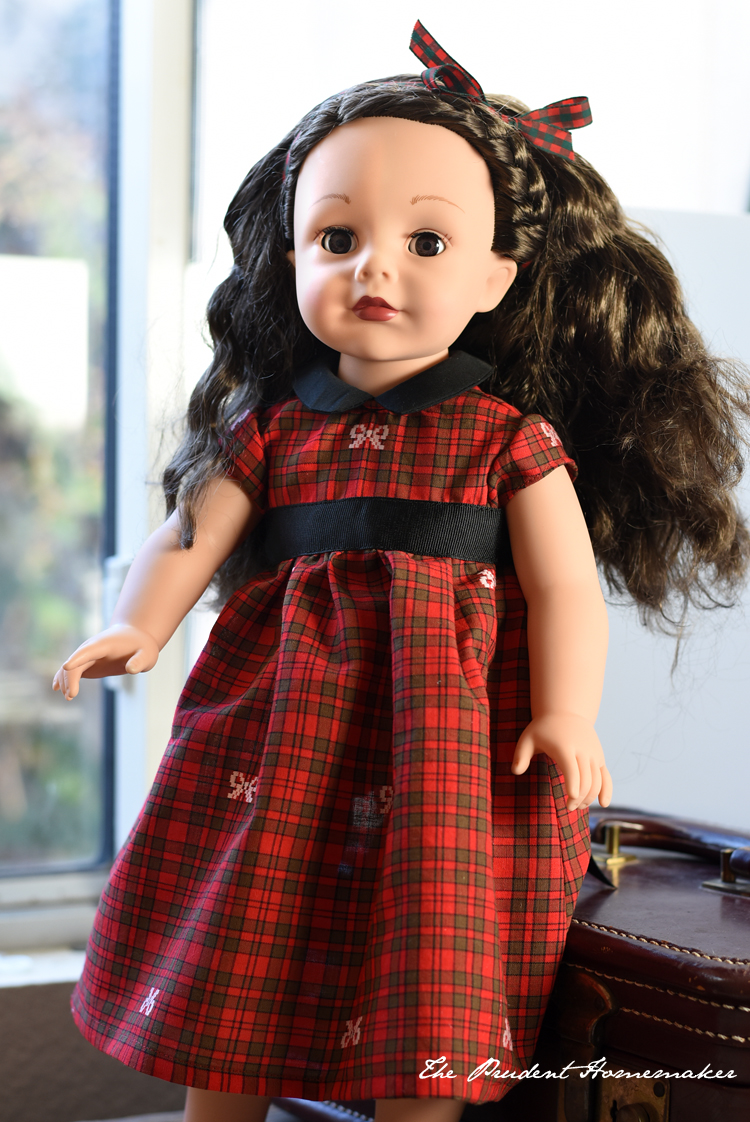 A Gift a Day: Day Five: Christmas Doll Dress for an 18″ Doll