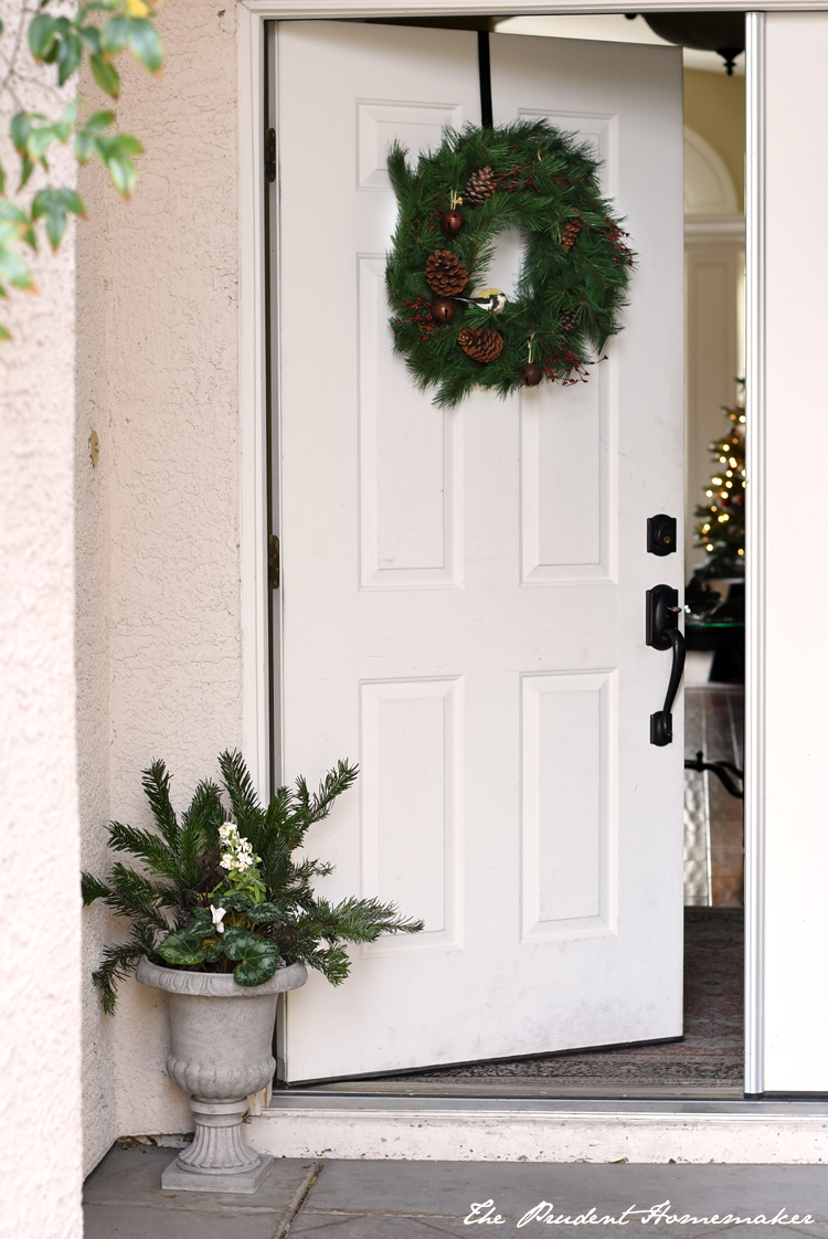 Christmas Front Door The Prudent Homemaker