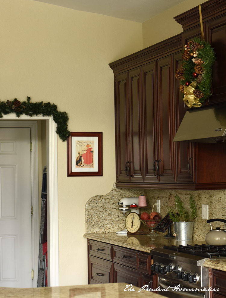 Seven Frugal Ways to Decorate for Christmas
