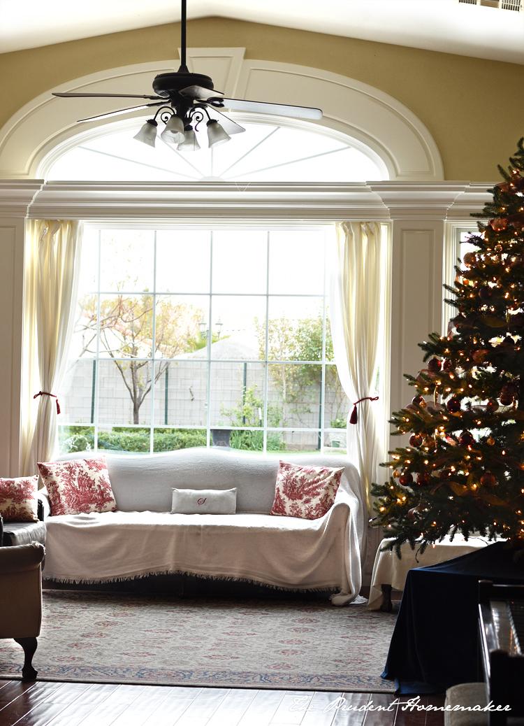 Christmas Living Room The Prudent Homemaker