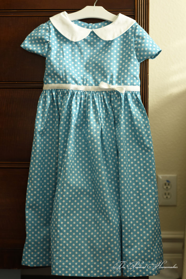A Gift a Day 2016: Day 1: Polka Dot Dress