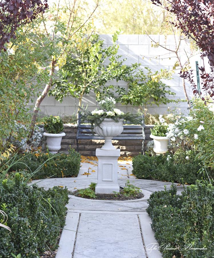 Winter White Garden in December The Prudent Homemaker