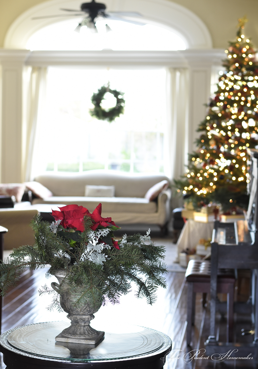 Christmas Entry Table and Living Room The Prudent Homemaker