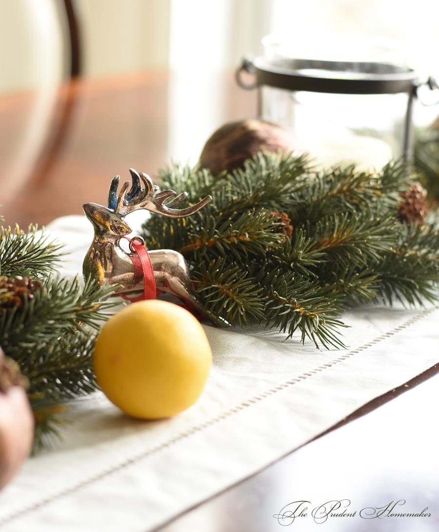 Christmas Table Runner Detail The Prudent Homemaker